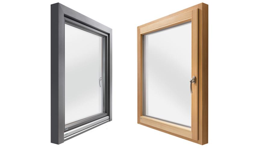 Holzfenster und Holzfenster mit wetterfester Schale